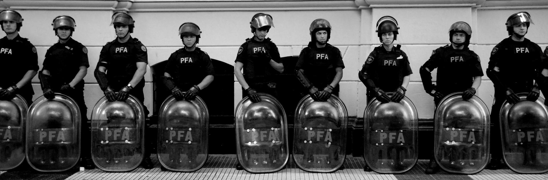 מושחתים נמאסתם - בואנוס איירס - הפגנה - צדק לעם - יואל שתרוג - אדמה יוצרת - yoel sitruk