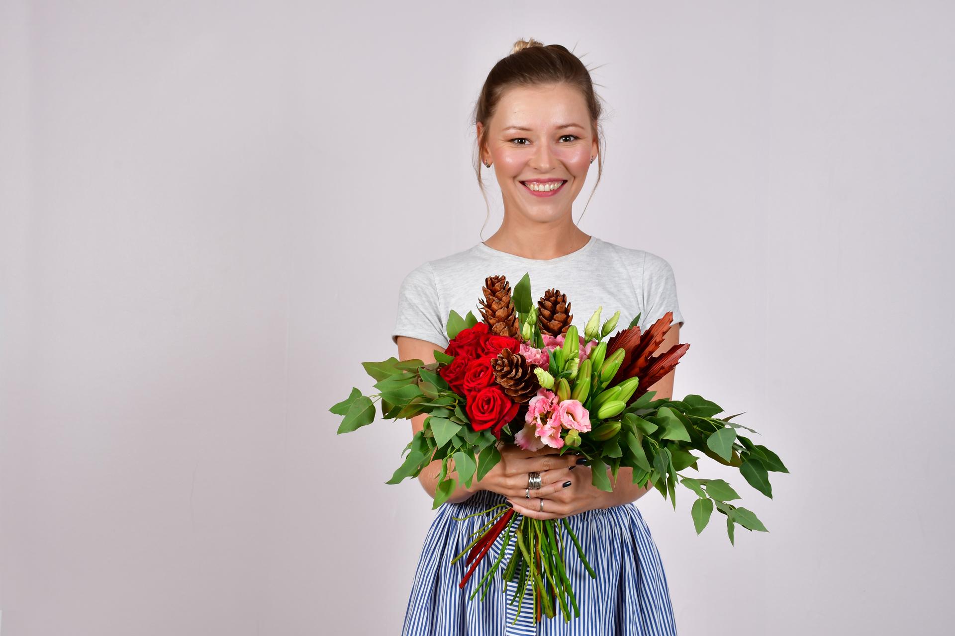 פרחים וחיוכים - פלורוז שילת - ניצן שתרוג - יואל שתרוג - אדמה יוצרת - yoel sitruk
