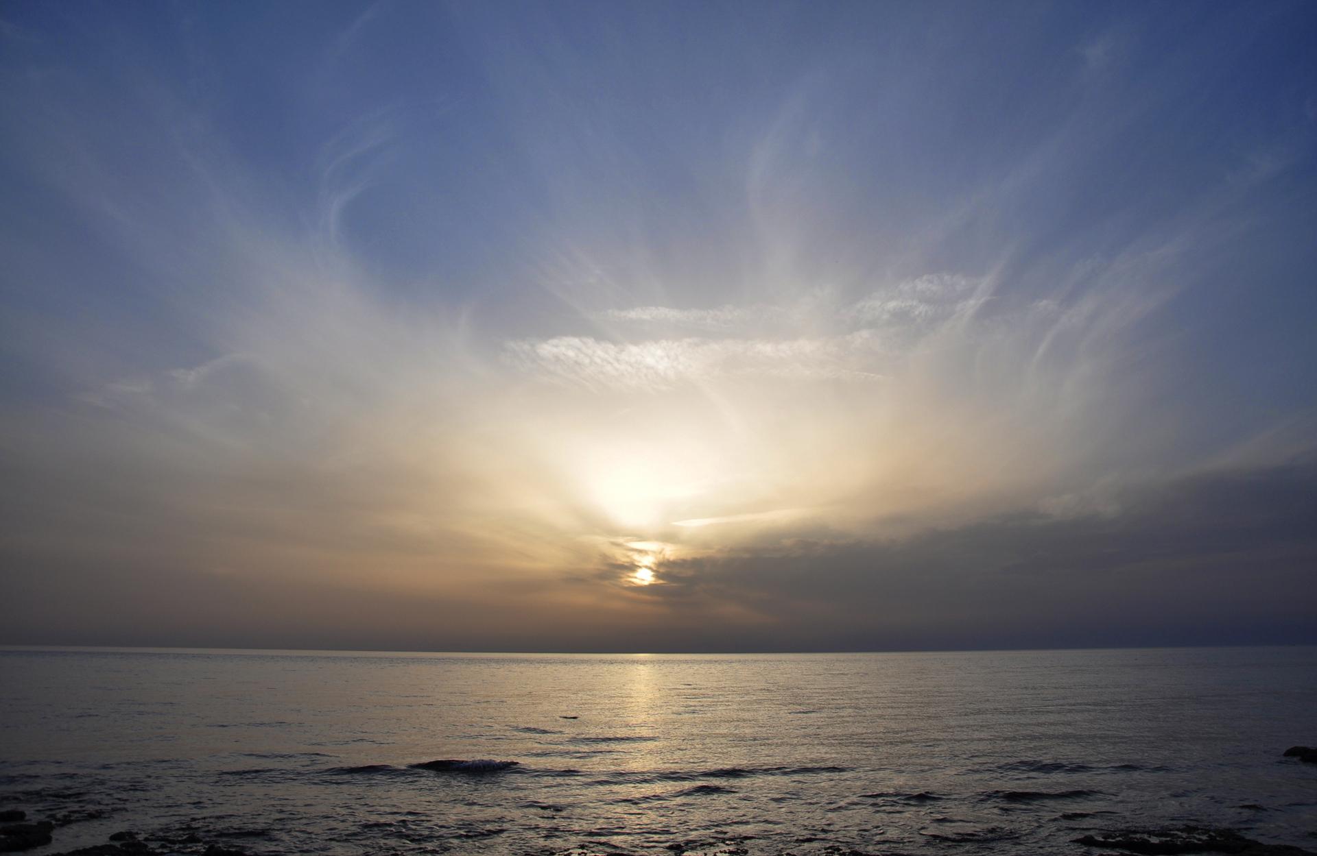 יואל שתרוג - אדמה יוצרת - yoel sitruk - תל אביב -ים - שקיעה - שם מים -