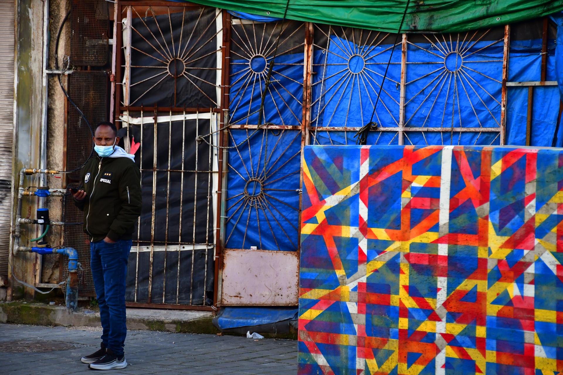 יואל שתרוג - אדמה יוצרת - תחנה מרכזית ישנה תל אביב - yoel sitruk