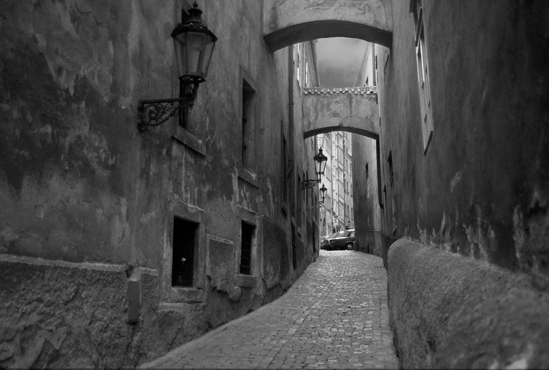 קפקא - Praha - יואל שתרוג -Prague- אדמה יוצרת - yoel sitruk - שיר שחלמתי על פראג -