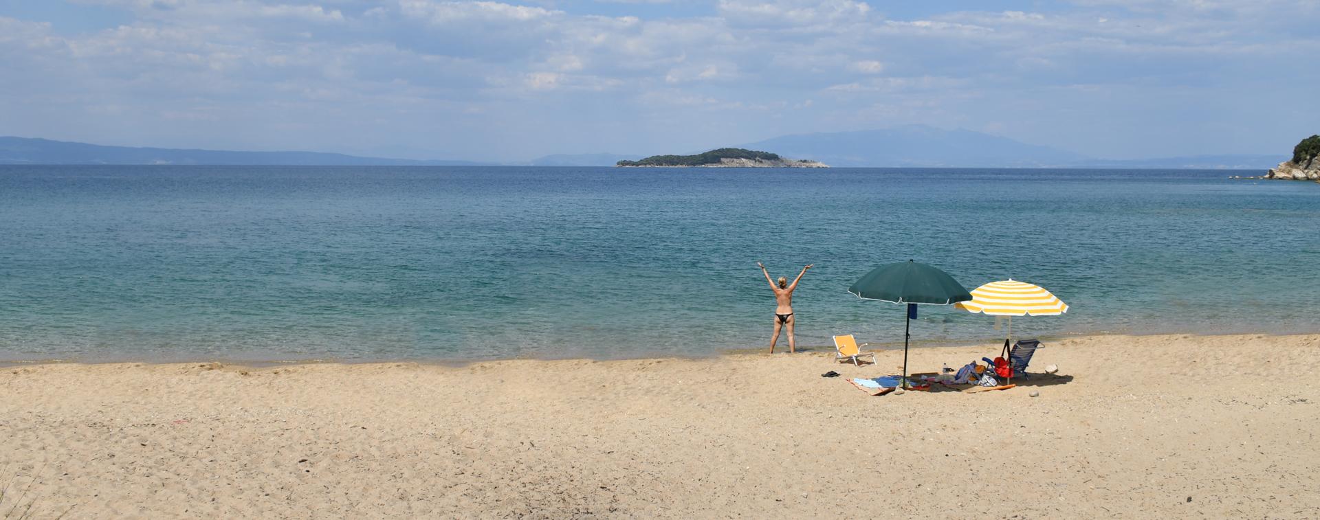 עצמאות - חוף נודיסטים - חופש - יוון - יואל שתרוג - אדמה יוצרת - yoel sitruk