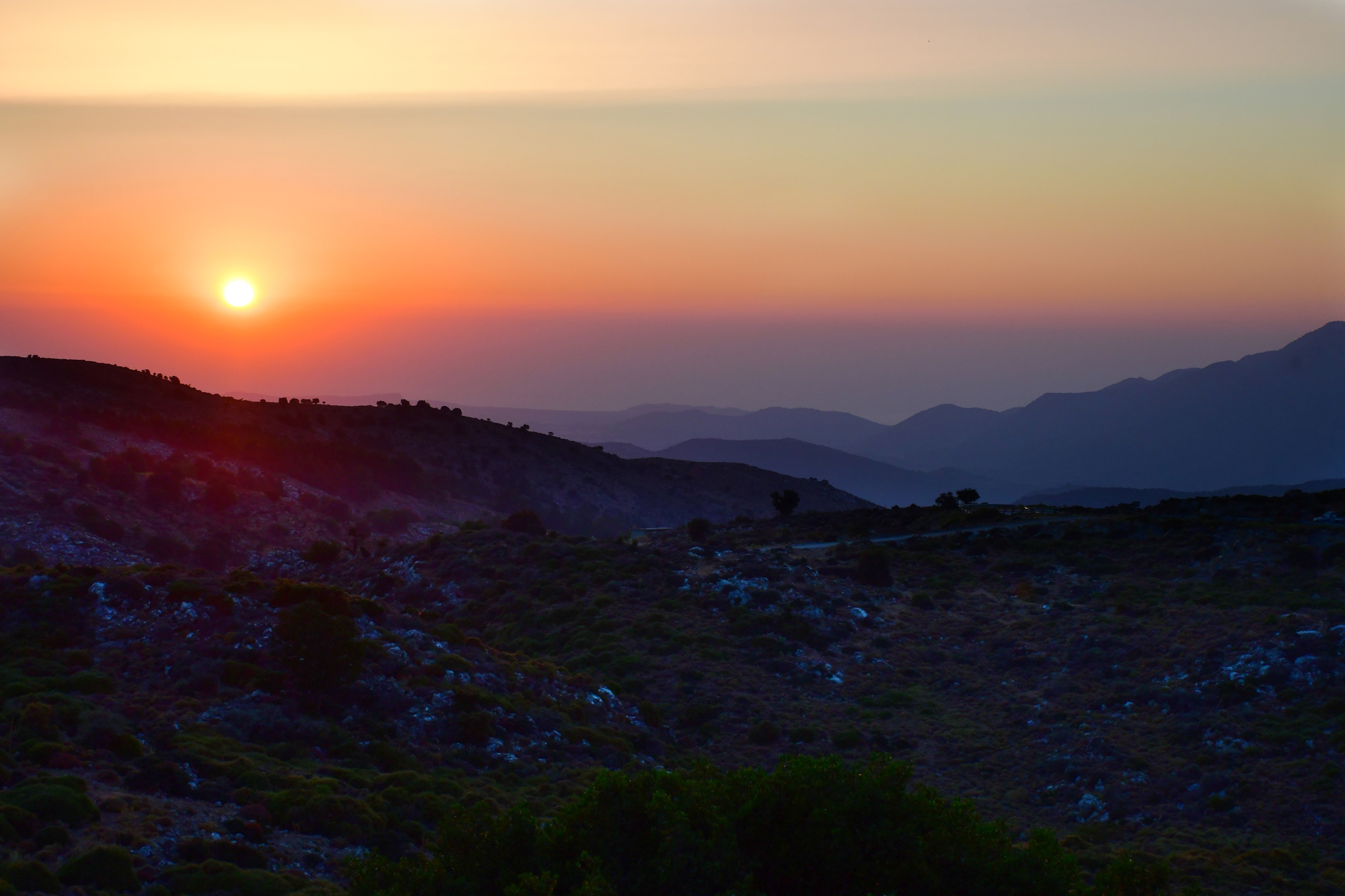 יואל שתרוג - אדמה יוצרת - כרתים - יוון על פי זורבה - yoel sitruk