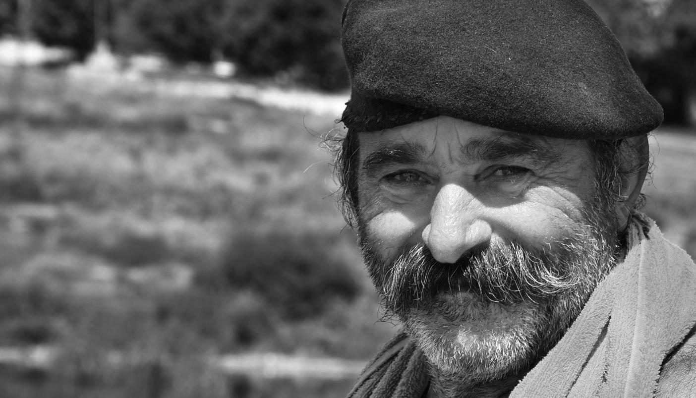 יוון - מבט - עיניים - יואל שתרוג - אדמה יוצרת - yoel sitruk