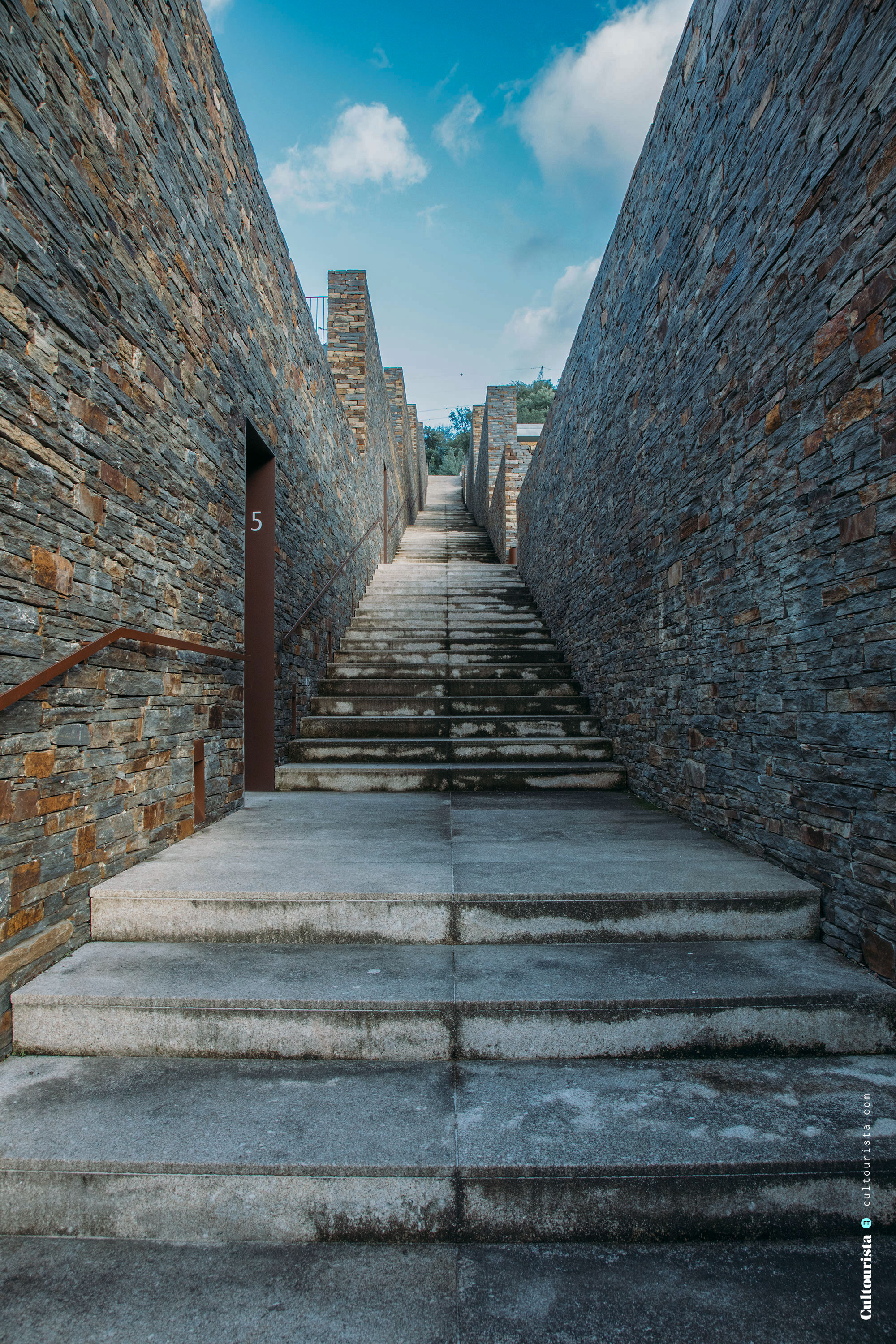 Exterior stairs to the swimming pool of the Hotel Douro41 Portugal