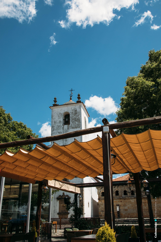 Church behind the restaurant Taberna do Javali in Bragança