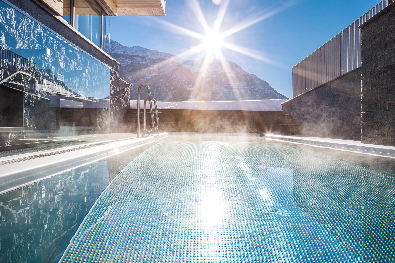Outdoor Pool - 31°C