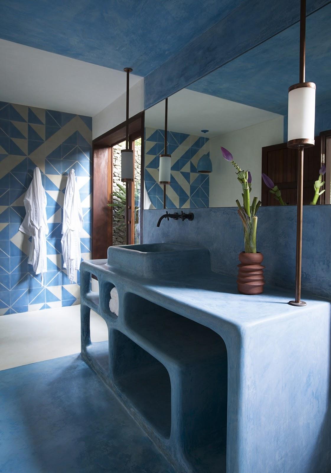 Banheiro cimento queimado azul