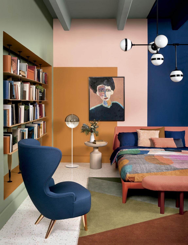 quarto casal parede geométrica colorida