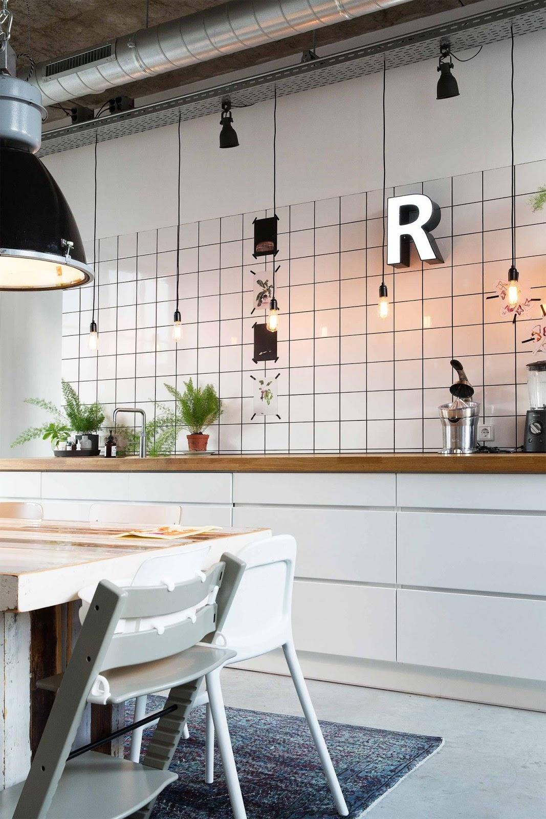 cozinha azulejo quadrado branco rejunte preto