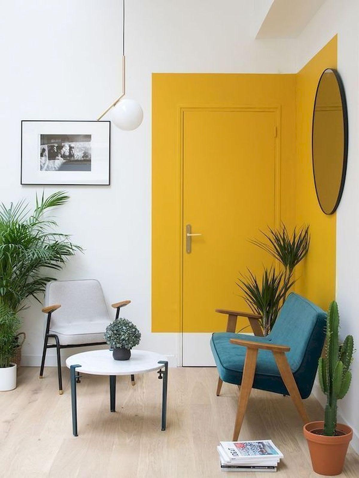 porta de entrada colorida amarela