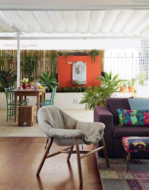 sala e varanda integrada colorida
