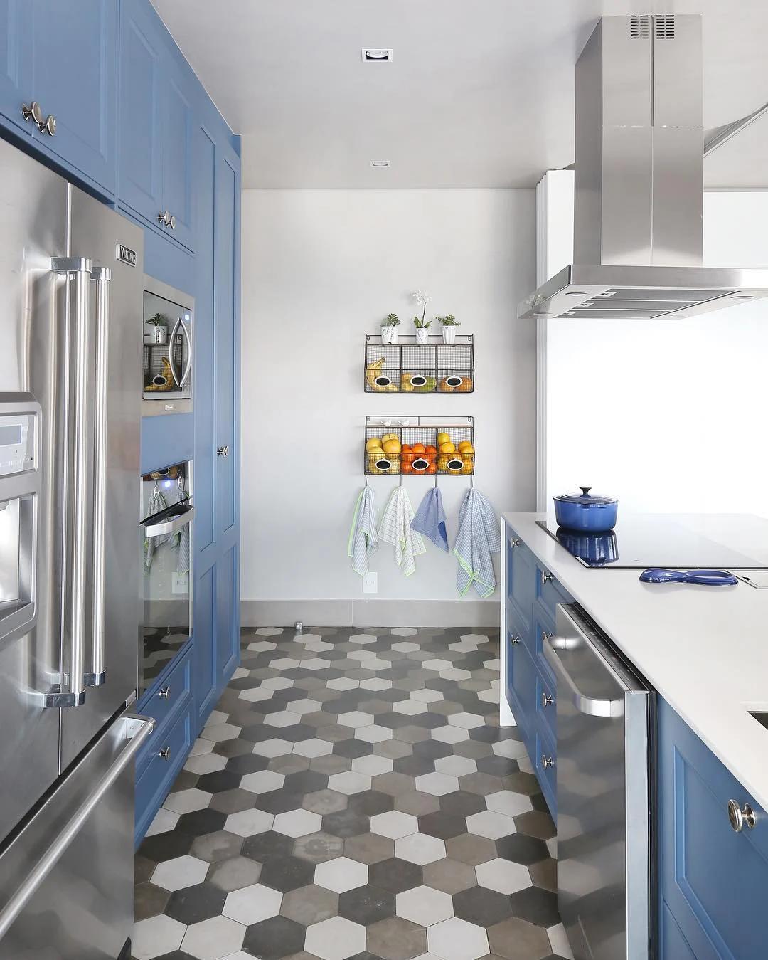 cozinha piso revestimento hexagonal degradê cinza