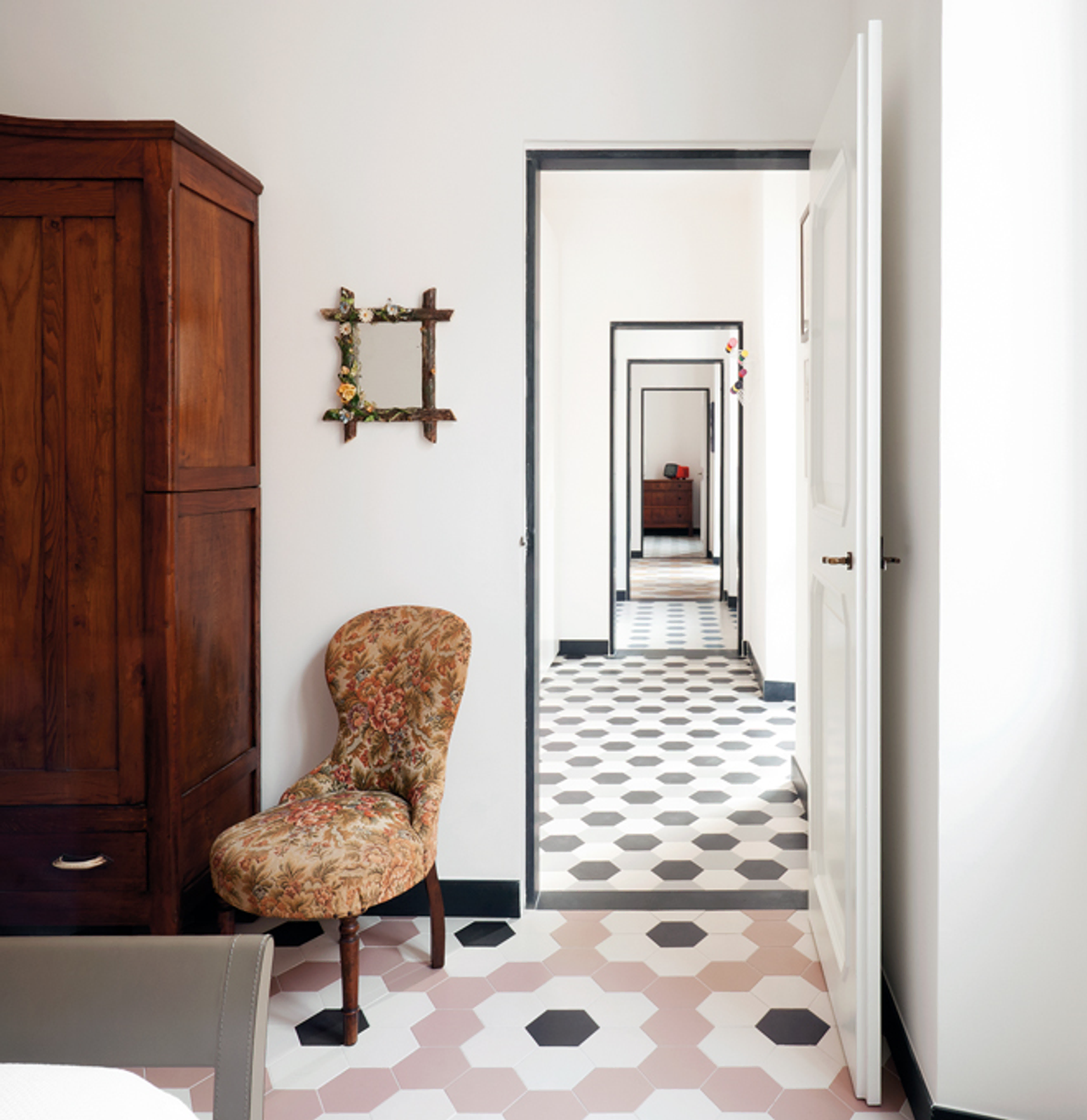 quarto piso revestimento hexagonal colorido