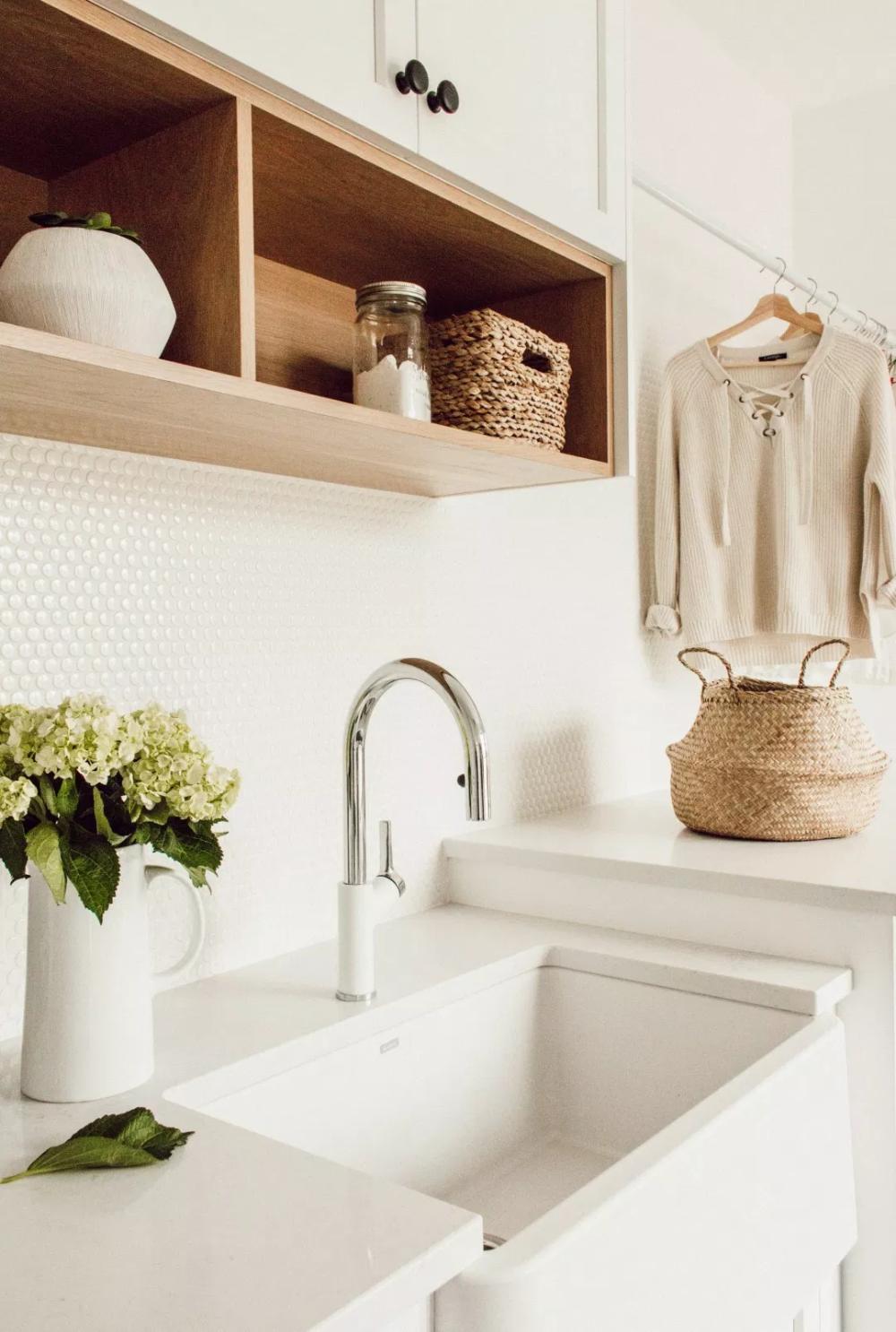 lavanderia área de serviço cores claras