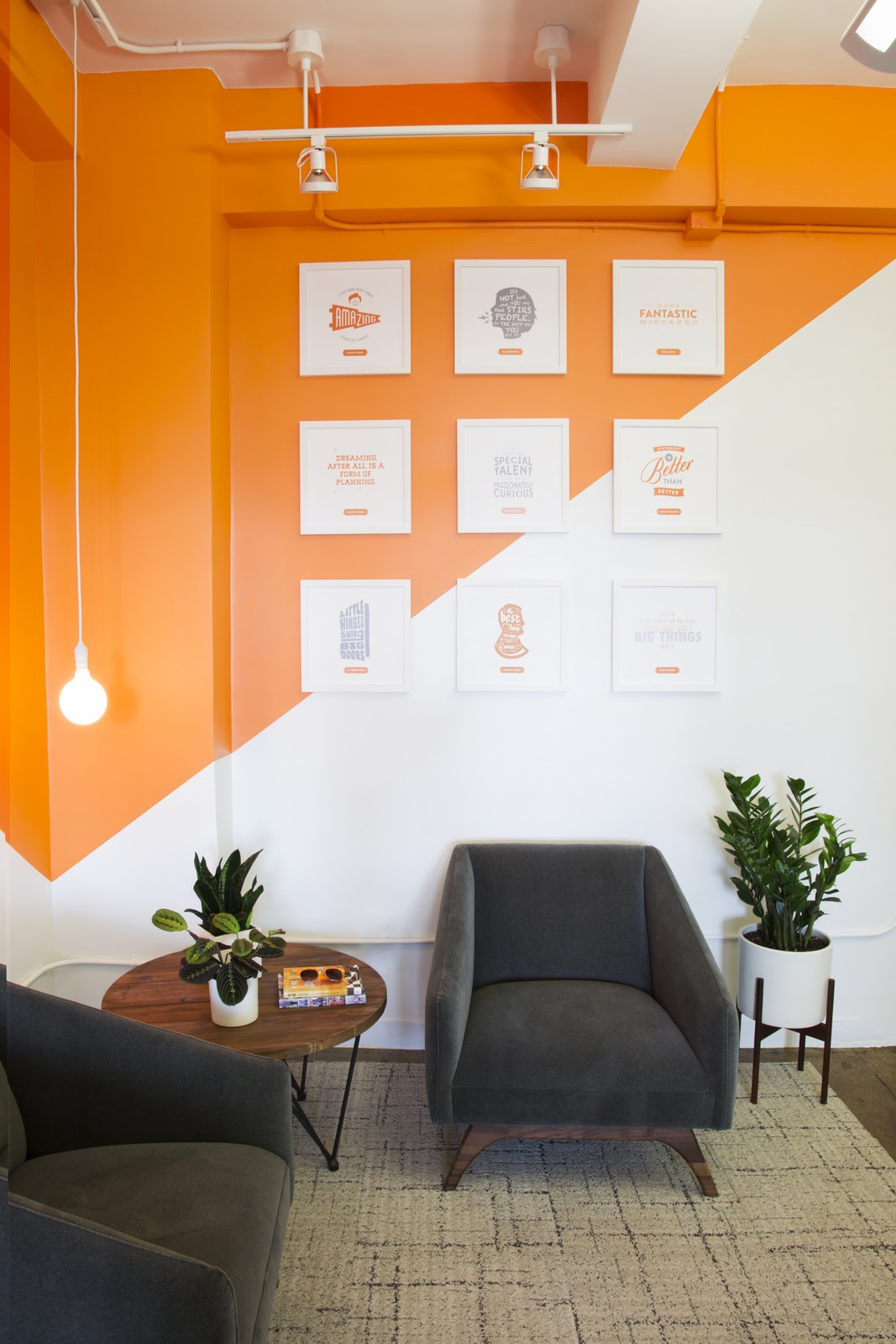 sala parede pintura geométrica
