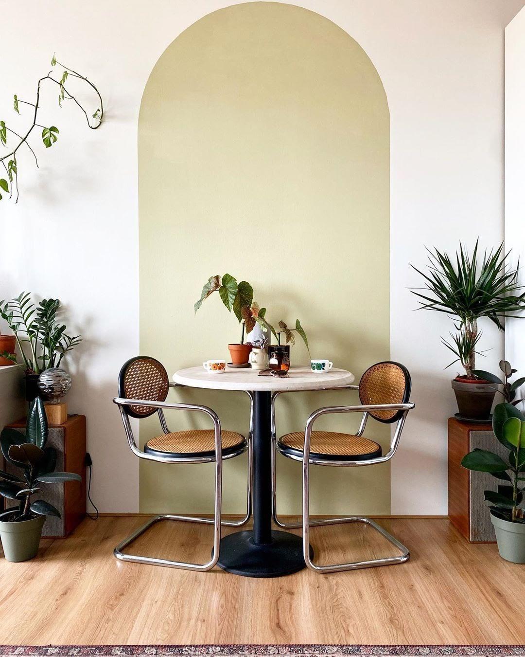 sala de jantar parede pintura geométrica arco