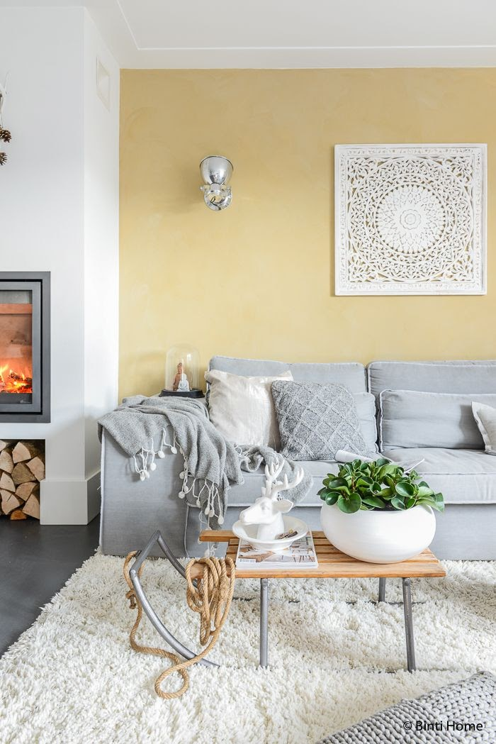 sala de estar parede amarela