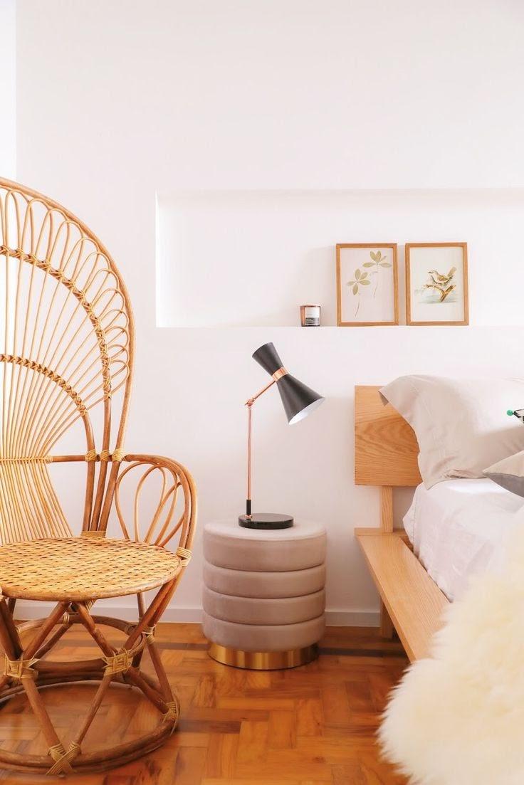 quarto de casal com elementos naturais