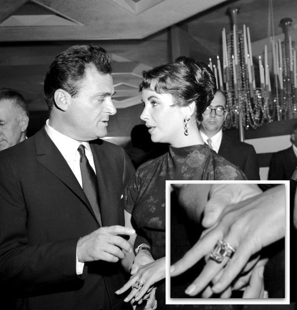 Liz Taylor diamond Cartier ring from Mike Todd