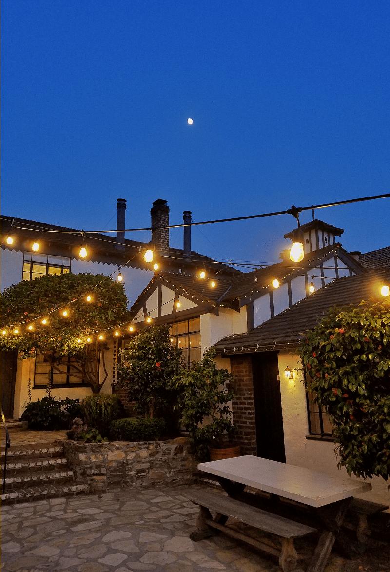 The Vagabond House Inn Courtyard