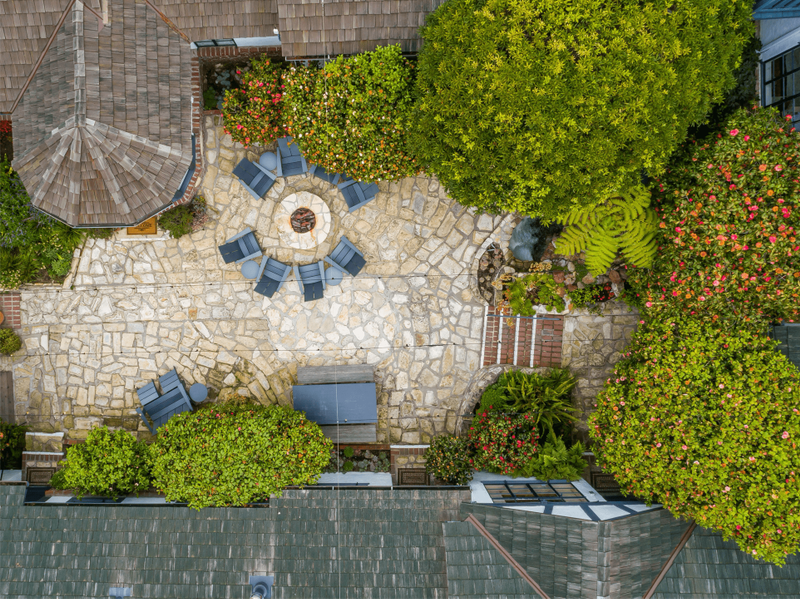Overhead view of the Vagabond House Inn courtyard