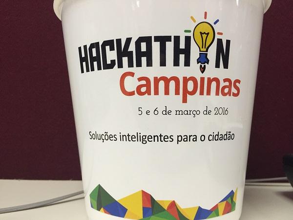 Hackathons são os eventos mais legais e emocionantes que você pode participar ou organizar. E já fizemos ambos! Faça o seu também ;)