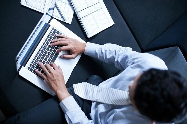 Confira esse artigo e entenda o processo de implementação da governança de TI e saiba como fazê-lo na sua empresa!