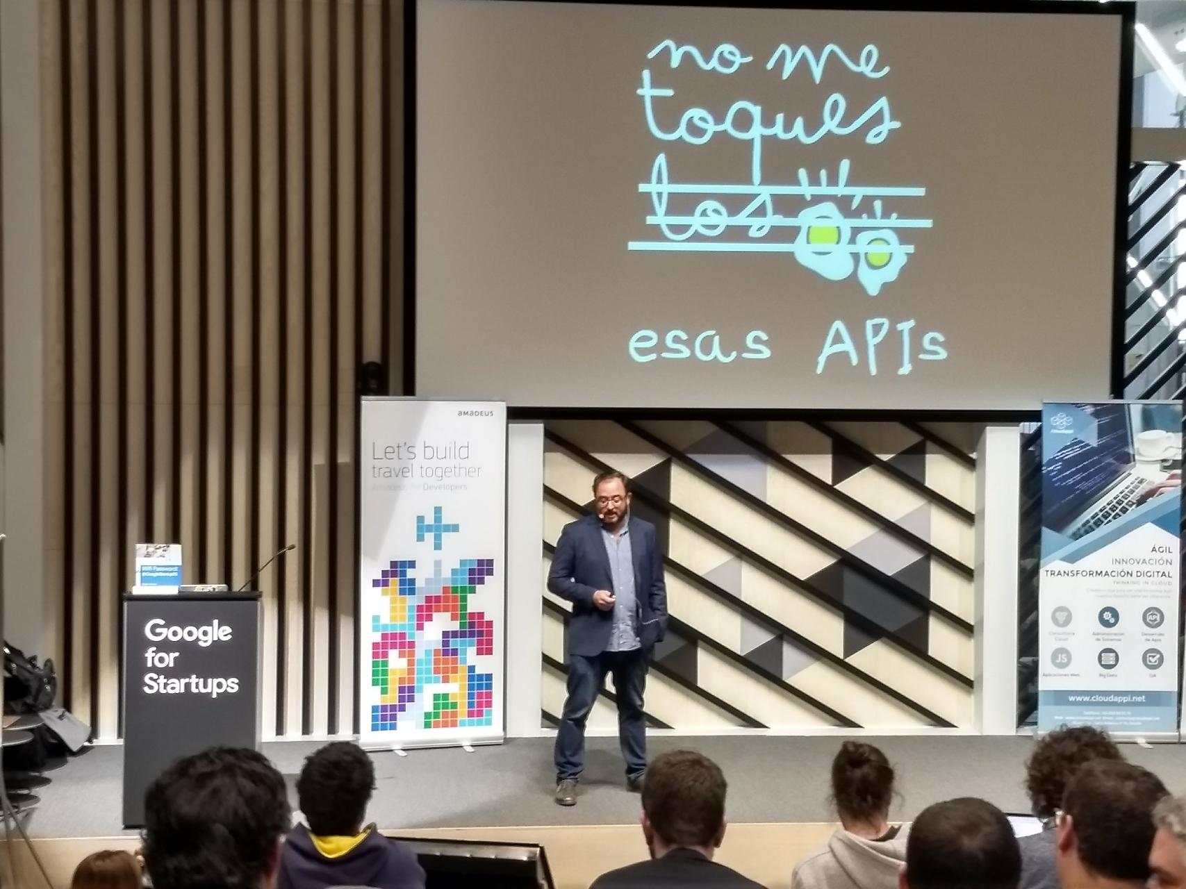 Victor Cuervo - SegurCaixa Adeslas - API Days Madrid 2019