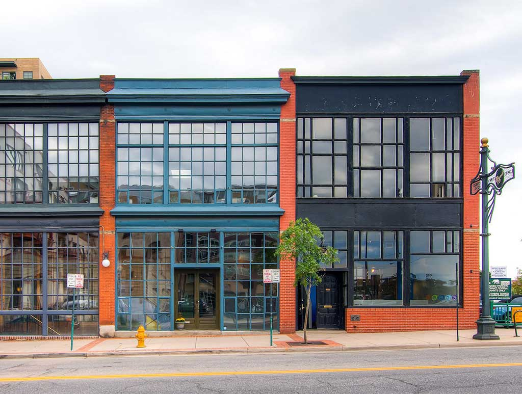 photo of exterior building of Abend Gallery