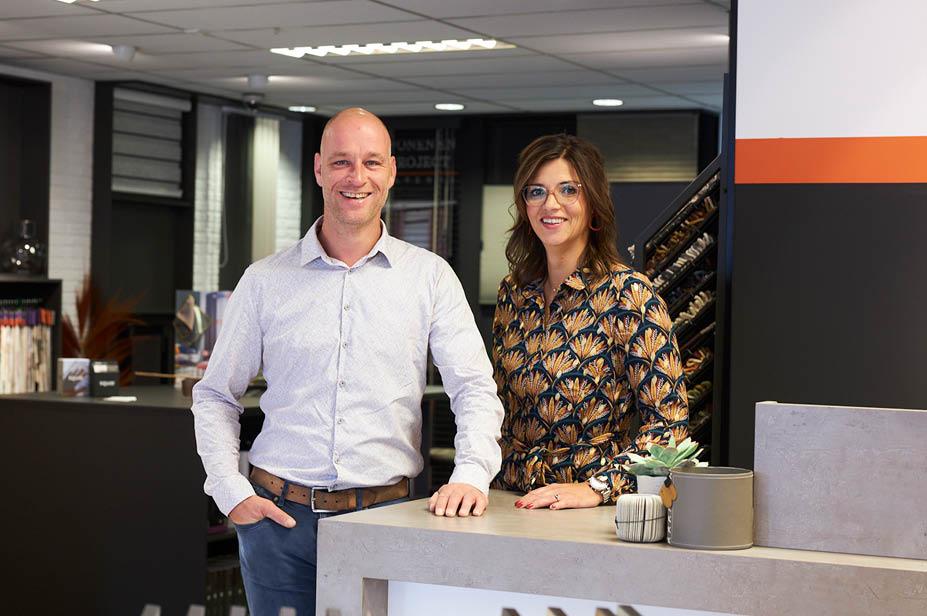 Arjan Poelarends, eigenaar van Wonen en Project Poelarends en zijn vriendin Moniek