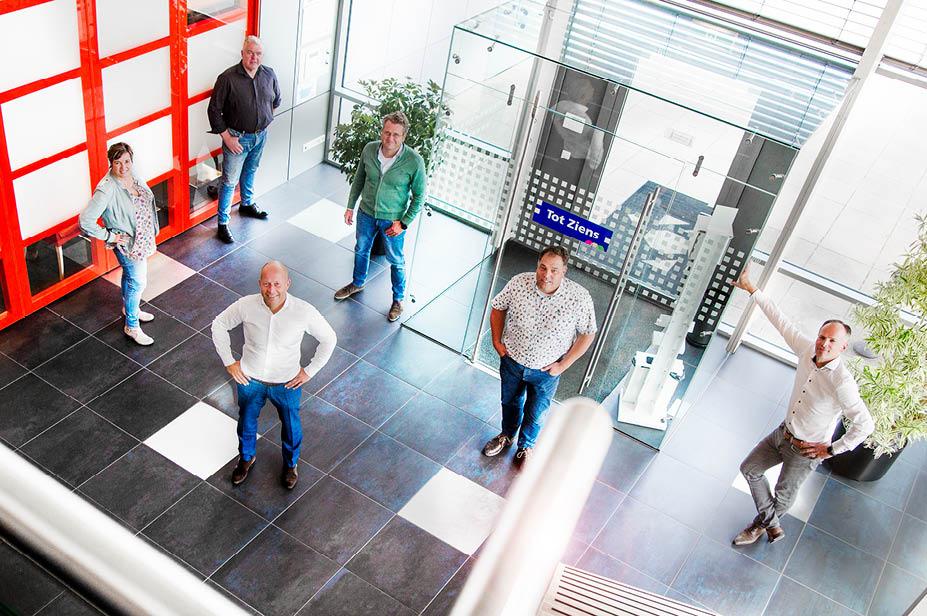 Het IKVO-bestuur Wim Sturris, Jolanda Bronsvoort, Edwin Slot, Raymond Hudepohl en Niels Peters.