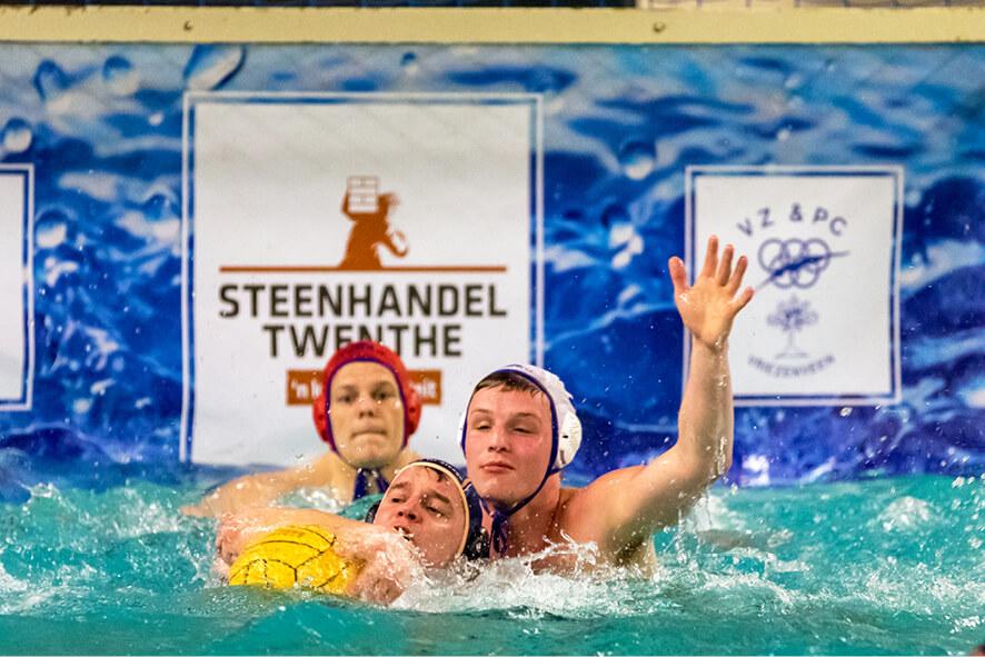 Waterpolowedstrijd in actie