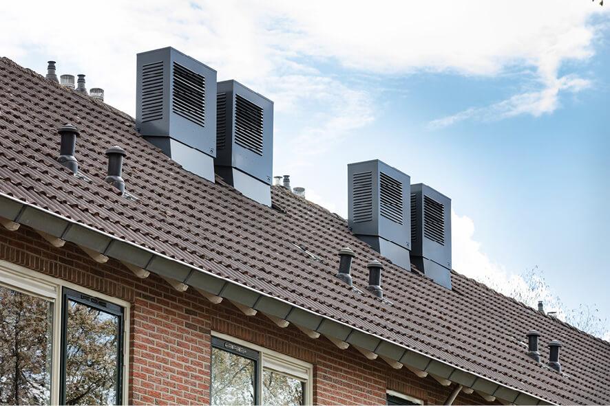 Hybride warmtepomp op het dak