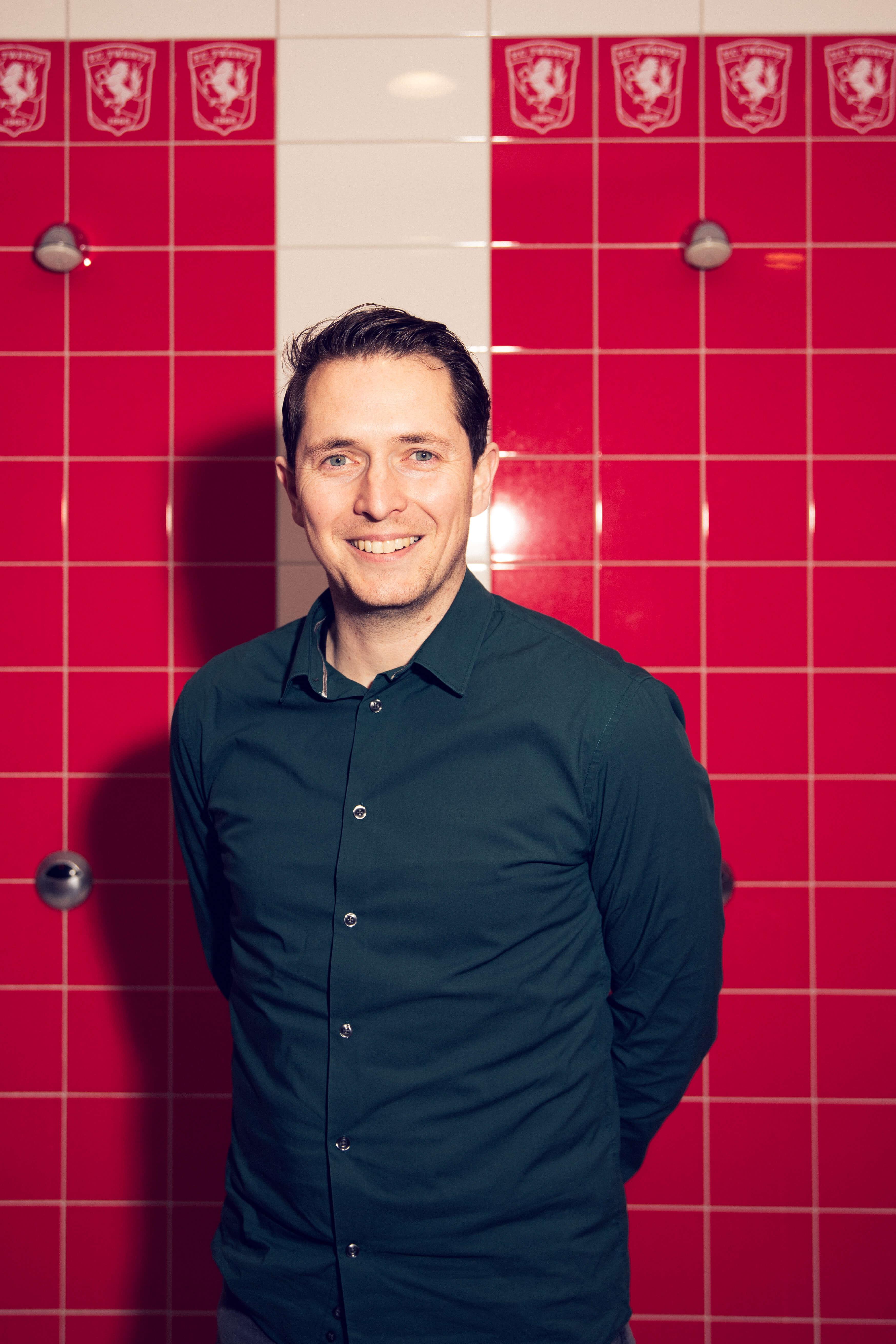 Niels Wigbold in de kleedkamer van FC Twente