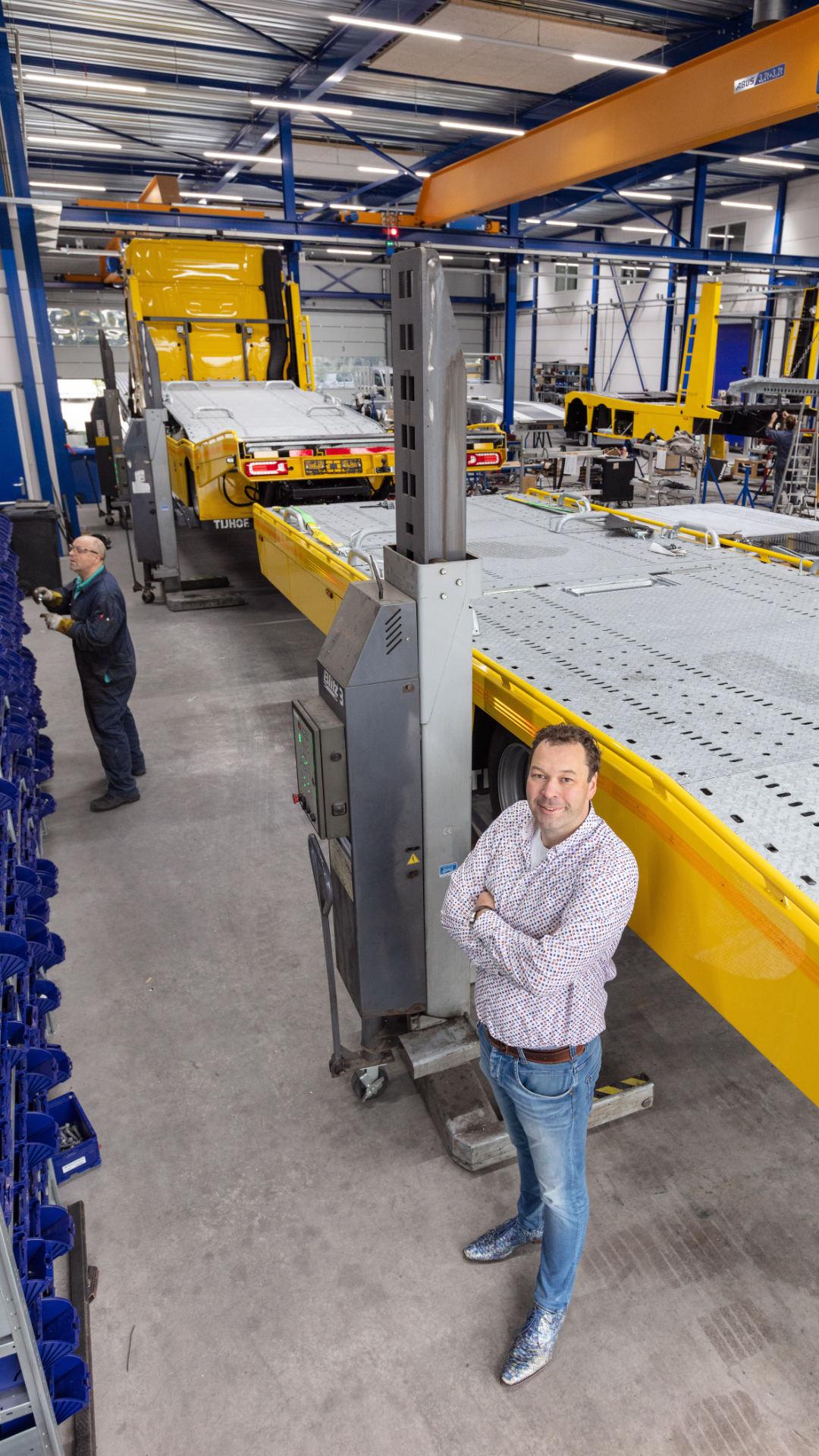 Frank Speelman in het bedrijf Tijhof Autotransportsystemen