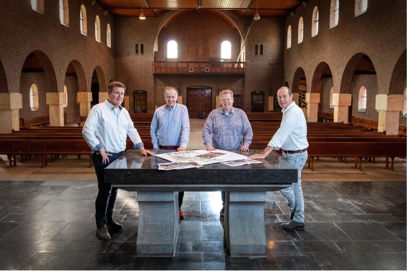 Rinaldo Kerkhoff (IBZ Albergen), Léon Lucas, Arjan Lucas (Lucas IT) en Roy Kokhuis (Bouwkonsult).