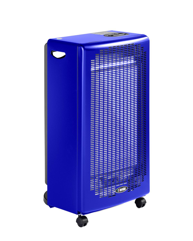 Blue Flame è la stufa a fiamma libera dal tipico colore blu, essenziale ed affidabile. Grazie alle sue caratteristiche tecniche e al suo aspetto pulito e accurato, Blue Flame è estremamente sicura nell'utilizzo riducendo i tempi di riscaldamento ambiente. Presenta due livelli di potenza di riscaldamento: 2.400 W e 4.200 W.  È dotata di un bruciatore in acciaio inox a fiamma libera che oltre a garantire una lunga durata nel tempo, genera un flusso d'aria che riscalda rapidamente l'ambiente. Le quattro ruote piroettanti rinforzate ruotano a 360° assicurando un pratico spostamento in qualsiasi direzione e su qualsiasi tipo di pavimento. Alimentata con miscela GPL in bombole fino a 15kg.