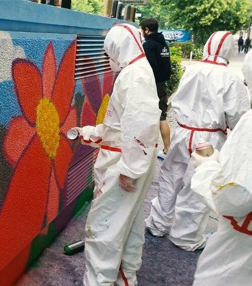 Graffiti Incentive mit mehreren Menschen