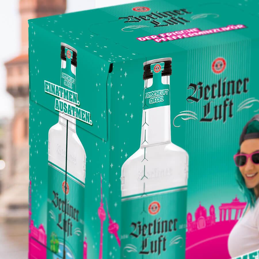 Berliner Luft Verpackung mit Emely und Flasche