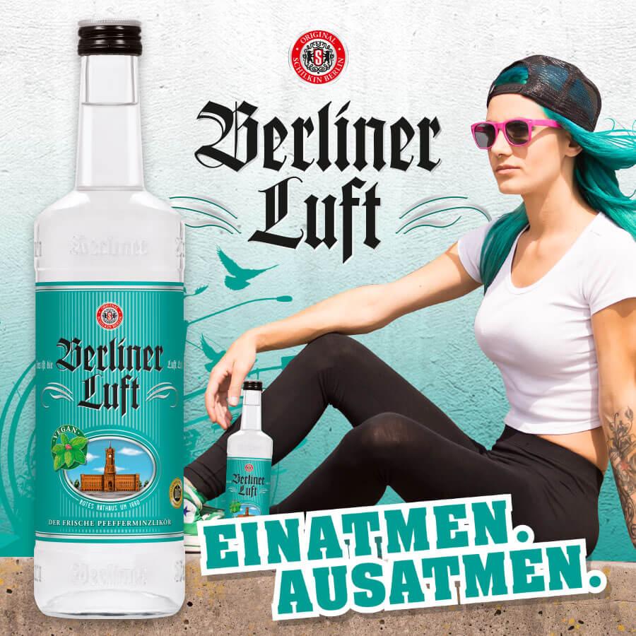 """Berliner Luft Logo und Flasche, Emely und das Slogan """"Einatmen. Ausatmen."""""""