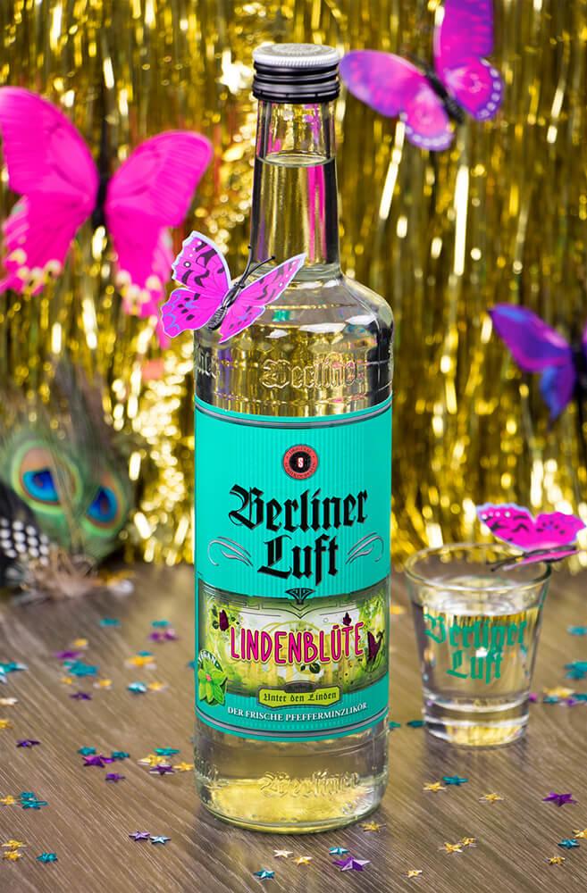 Moodbild Berliner Luft Lindenblüte 0,7 Flasche mit einem Shotglas