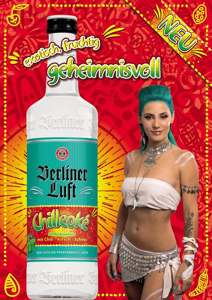 Berliner Luft Folder: Chileoké mit Emely und Flasche