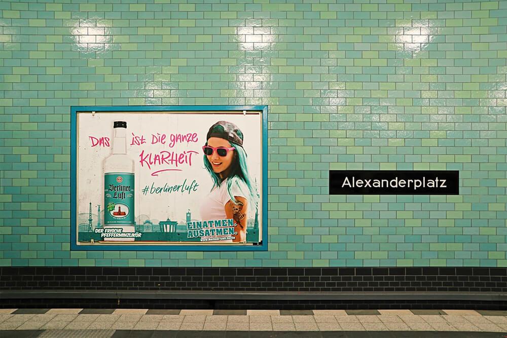 Berliner Luft Plakat am Alexanderplatz