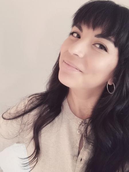 Claudia Estrada headshot