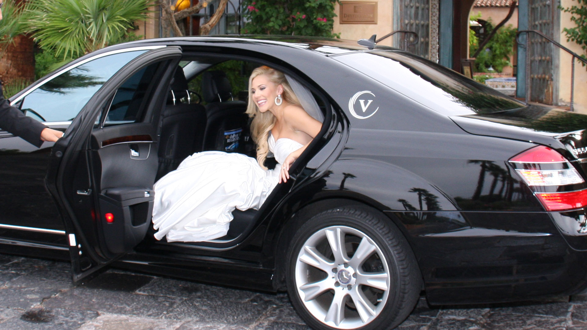 Wedding Transport Options for Small or Large Wedding Parties