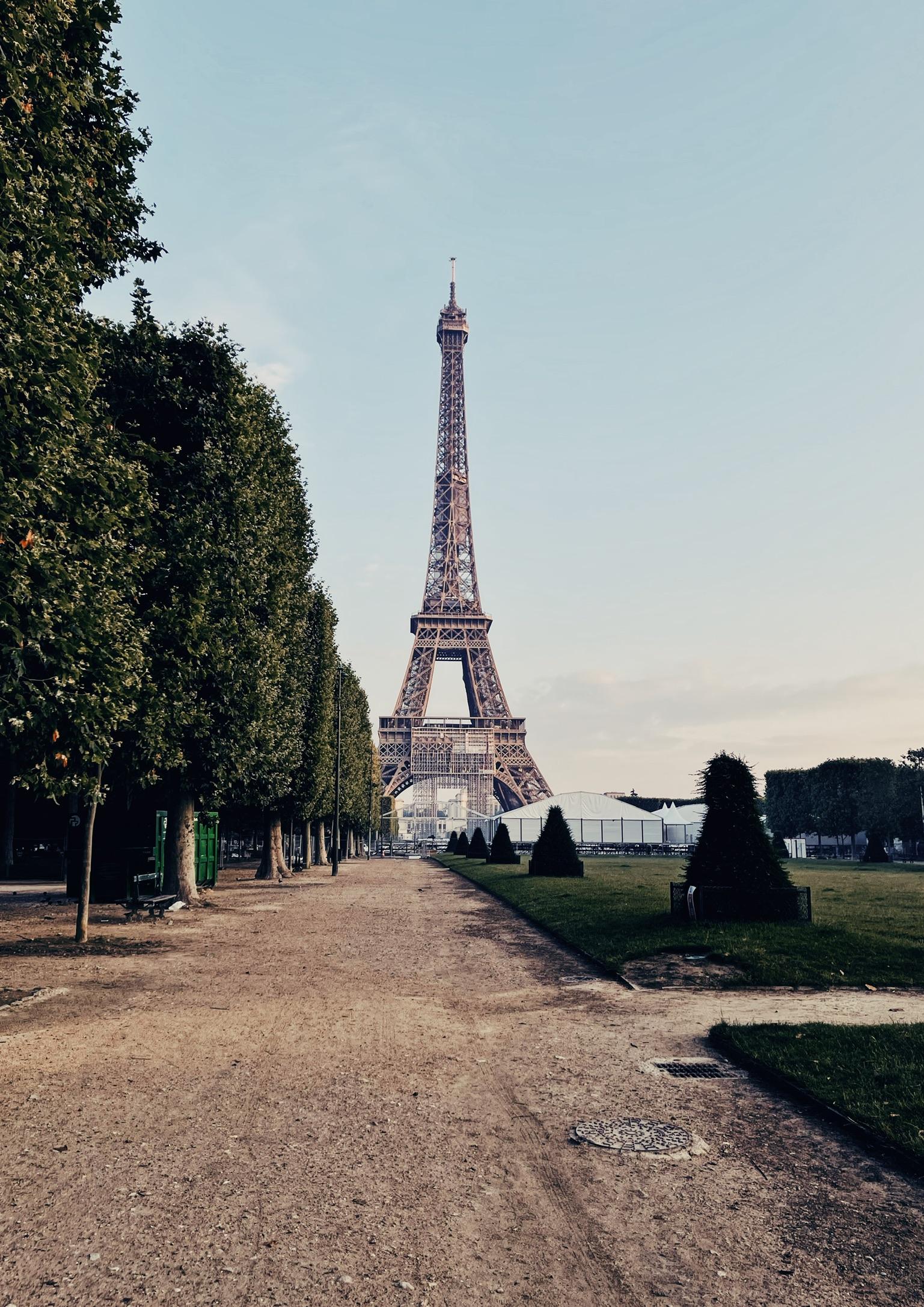 5AM in Paris