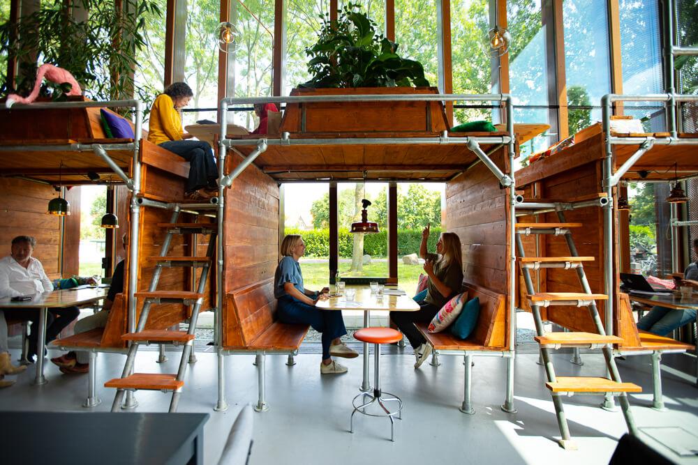 Foto van het interieur van Cafe Keet.