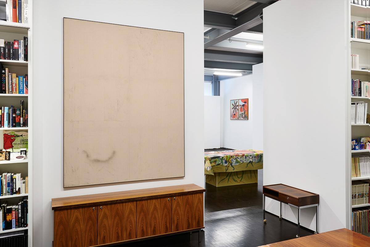 Exhibition: 3 Zimmer, Küche, Bad