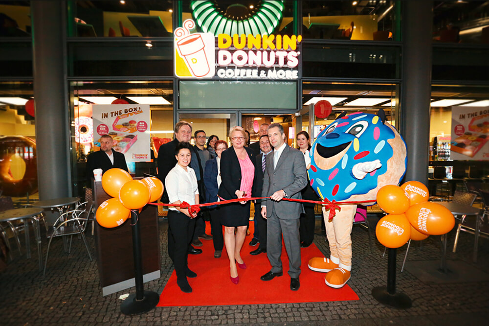 DUNKIN' Donuts Coffee & More Store Eröffnung